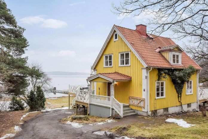Traditional Scandinavian home in Tyresö designed by Inne - CAANdesign | Architecture and home design blog