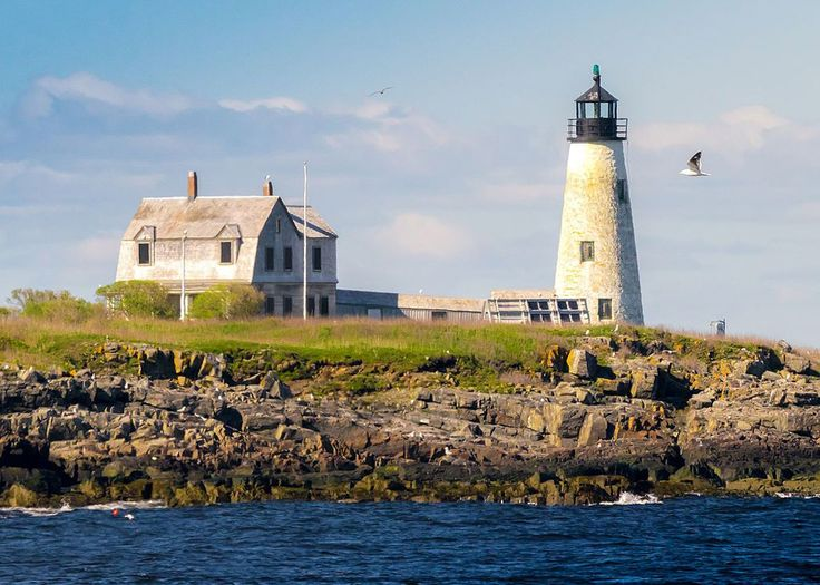 Maine\u0027s lighthouses are filled with American history and stunning views.