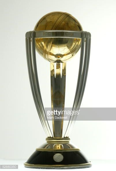 the-icc-cricket-world-cup-trophy-on-display-during-a-photo-shoot-on-picture-id52680350 (402×594)