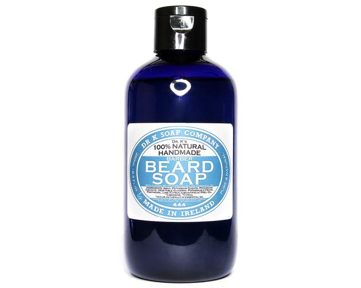"""Ten łagodny szampon do brody od Dr K został wykonany tylko z naturalnych składników. Zawiera pro-witaminę B5 (panthenol) oraz glicerynę, które spowodują, że Twoja broda zyska piękny i zdrowy połysk.  Pro-witamina B5 znana jako naturalna substancja zatrzymująca wilgoć, chroni skórę i włosy przed przesuszeniem. Dodatkowo tworzy na powierzchni włosów gładki """"film"""", który zwiększa odbicie światła i powoduje, że broda wygląda lśniąco.  Dzięki regularnemu stosowaniu, ten wysokoodżywczy produkt…"""