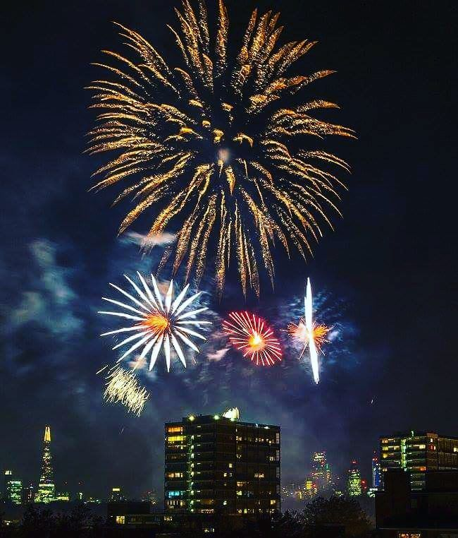 The 15 best fireworks displays in London this Bonfire Night | Metro News