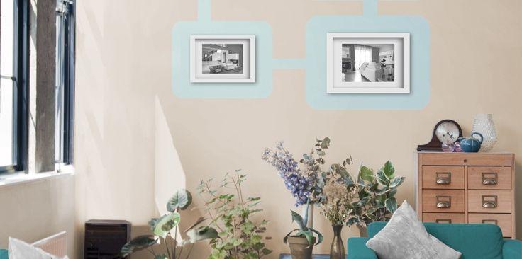 Efektowna ozdoba ściany nie musi wymagać dużych nakładów środków i pracy – najważniejszy jest wyjątkowy pomysł. Na neutralnym tle w odcieniu waniliowym doskonale prezentować się będzie domowa galeria zdjęć z namalowanymi ramkami w kolorze orzeźwiającego błękitu.