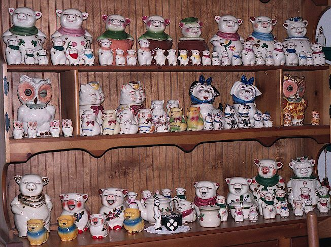 awesome shawnee pottery display