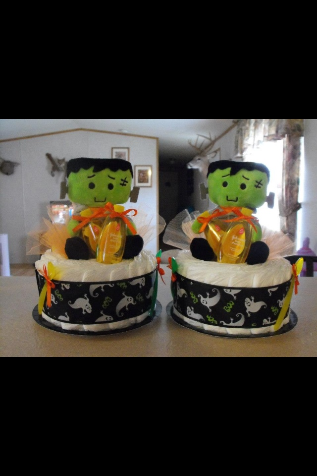 halloween diaper cake would be cute to make for table