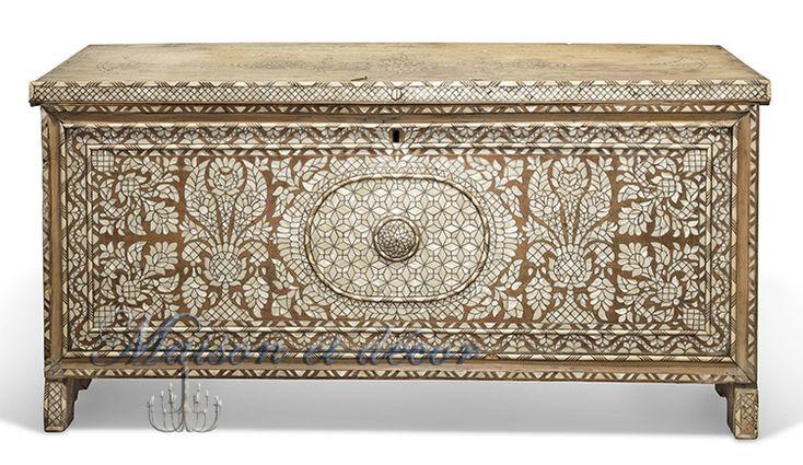 Coffre syrien en bois incrust de nacre coffre pinterest lauren bacall - Coffre a bois de chauffage ...