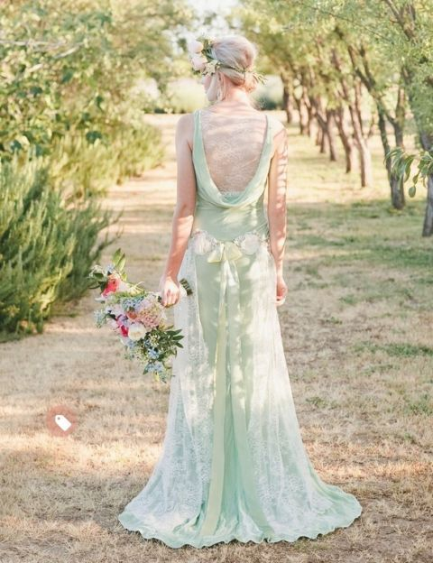 Love this stunning alternative wedding dress