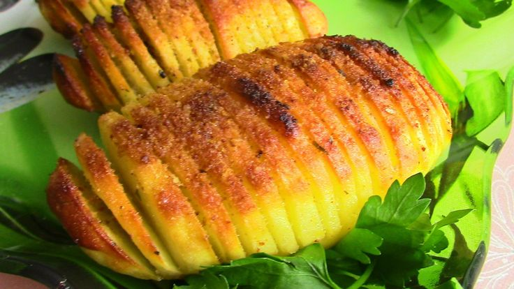 Праздничный  хрустящий печеный картофель с золотистой корочкой. . Новый ...