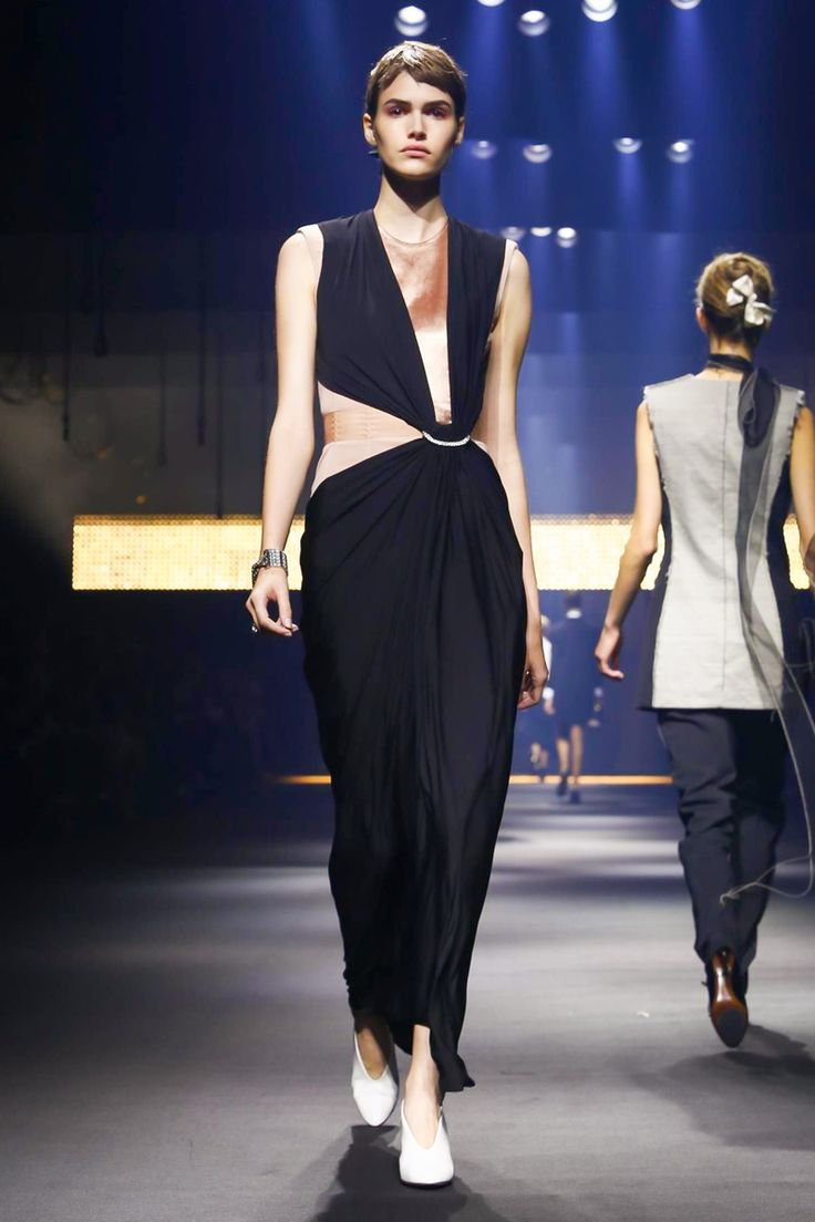 Lanvin Fashion Show Ready to Wear Collection Spring Summer 2016 in Paris