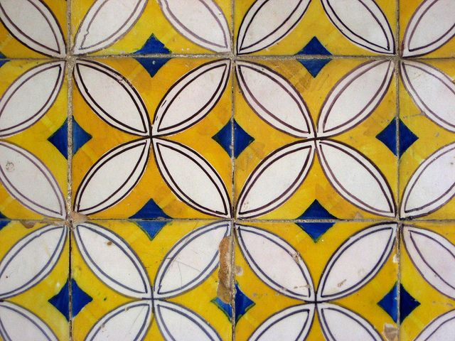 Azulejos de Sesimbra by John LaMotte, (portuguese tiles) - love this graphic! Handmade tiles can be colour coordinated and customized re. shape, texture, pattern, etc. by ceramic design studios
