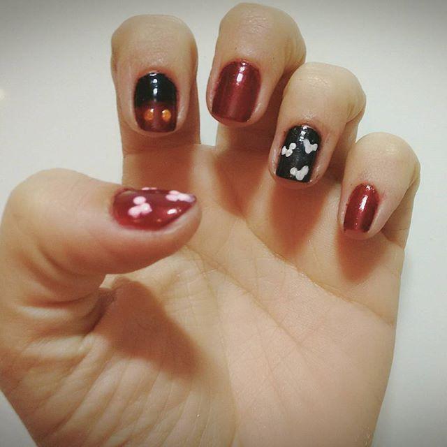 Unhas da semana! Viva o Mickey!  #artnails #art #nails #disney #mikeymouse #mikey #arteunhas #unhas #unhasdecoradas #artnailpolish #arte #beauty #beleza #feminina
