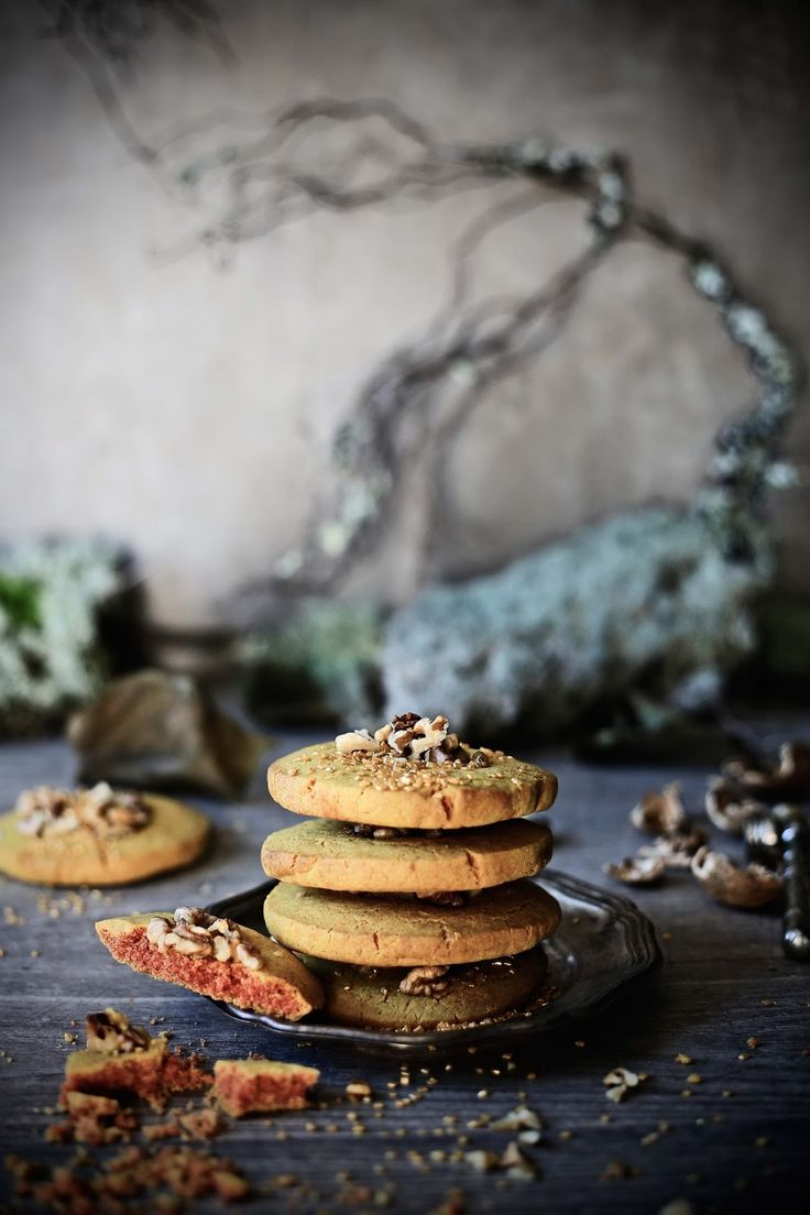 Turmeric and walnuts cookies - Pratos e Travessas   Food, photography and stories