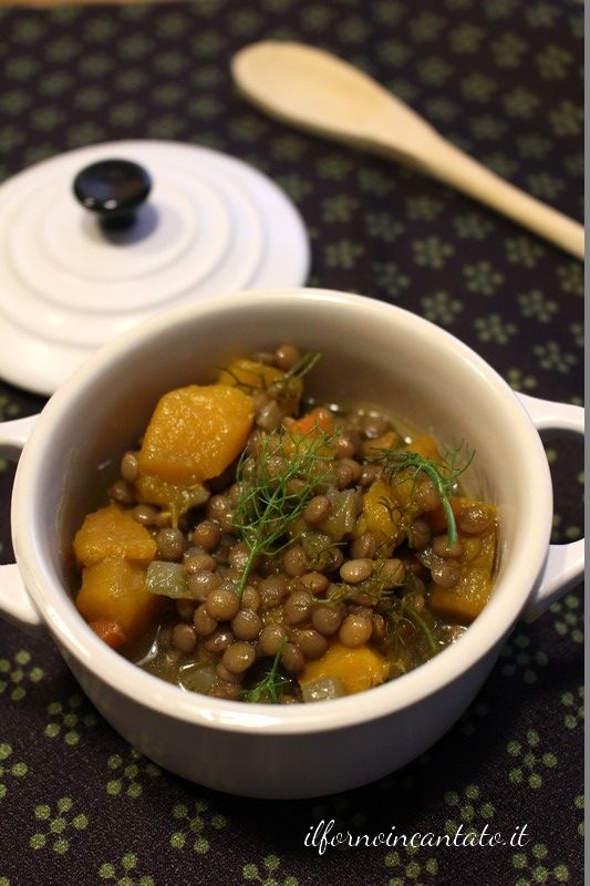 la minestra di lenticchie zucca e finocchietto un abbinamento perfetto per esaltare le lenticchie di Ustica presidio slow food.