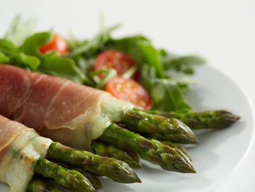 Prosciutto, Provolone and Asparagus Rolls