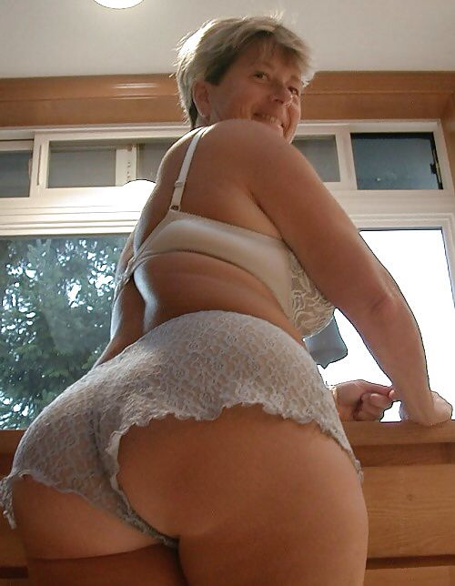 Big Booty Mature White
