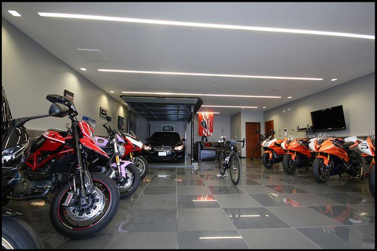 stellplatz garage f r ein motorrad fahrzeuge luxus. Black Bedroom Furniture Sets. Home Design Ideas