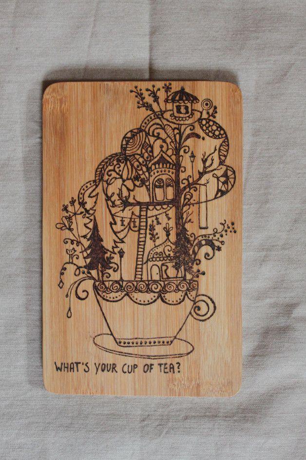 **Du brauchst ein Küchenbrettchen? Ein Holzbild für die Wand? Ein neues Utensil fürs Liebesspiel? Das 'Dreamy Cup'-Brettchen steht für jedes Feeble zu Diensten.**  Das Brettchen besteht aus...