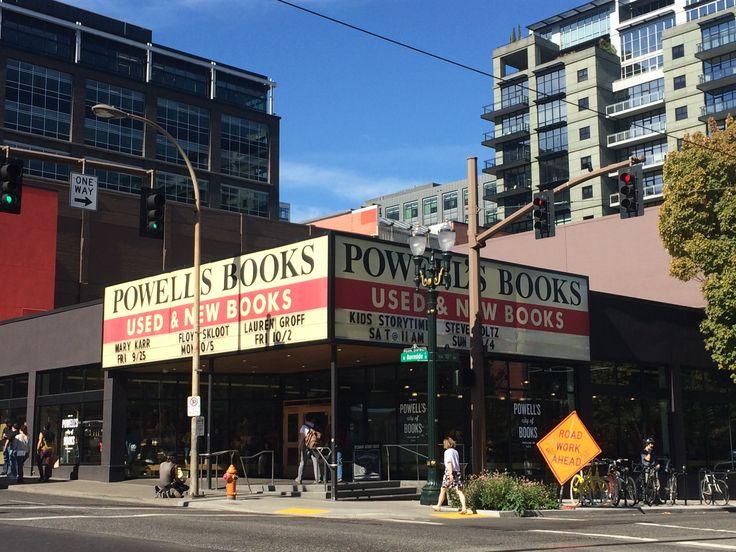 Powell's Books Portland  © Sarah Murphy