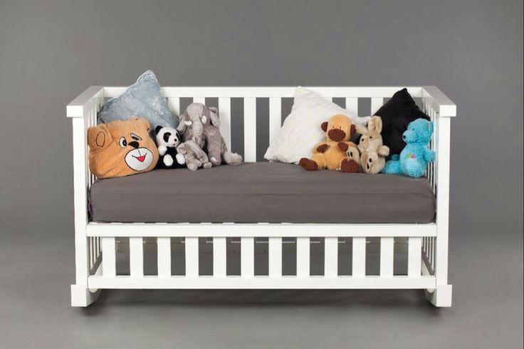Een schommelbank voor de kinderen/a rocking couch for the kids!