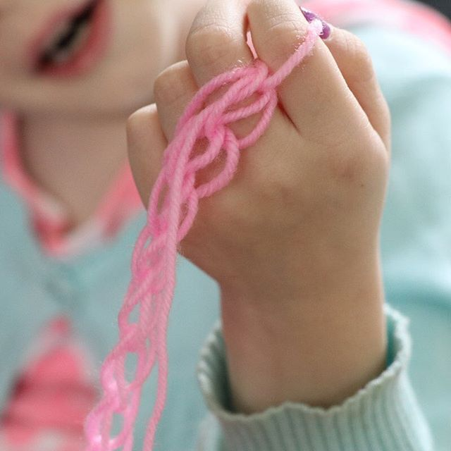 Finger knitting - an easy and calming craft for kids