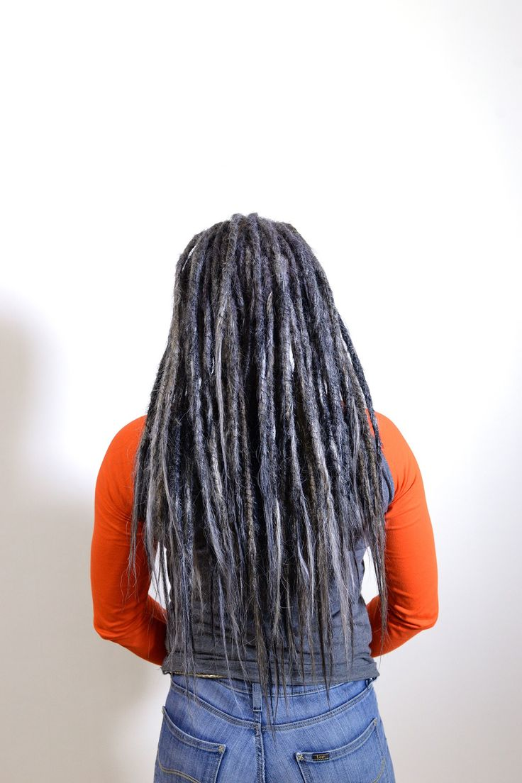 Check out these lovely grey colour that I mixed for hannas dreadlocks with extensions. I think it was over 5 different shades of grey, white and black that I mixed together to atcheve this look.