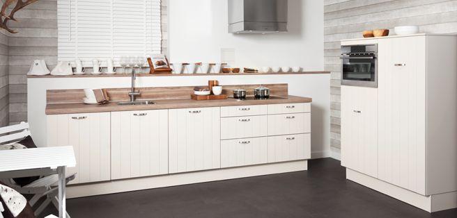 Witte landelijke keuken voor ben en michelle afrika en for 3d keuken ontwerpen ikea
