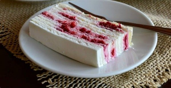 Creamy Cake with Strawberries!!!