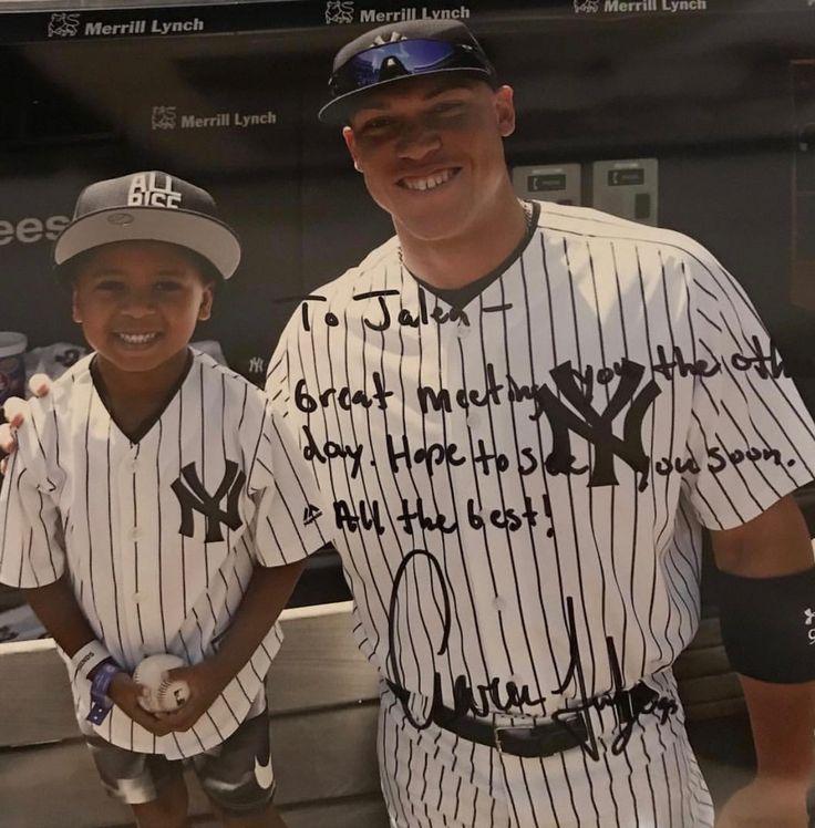 Aaron Judge making a fan for life. The little cutie is Derek Jeter's nephew Jalen.