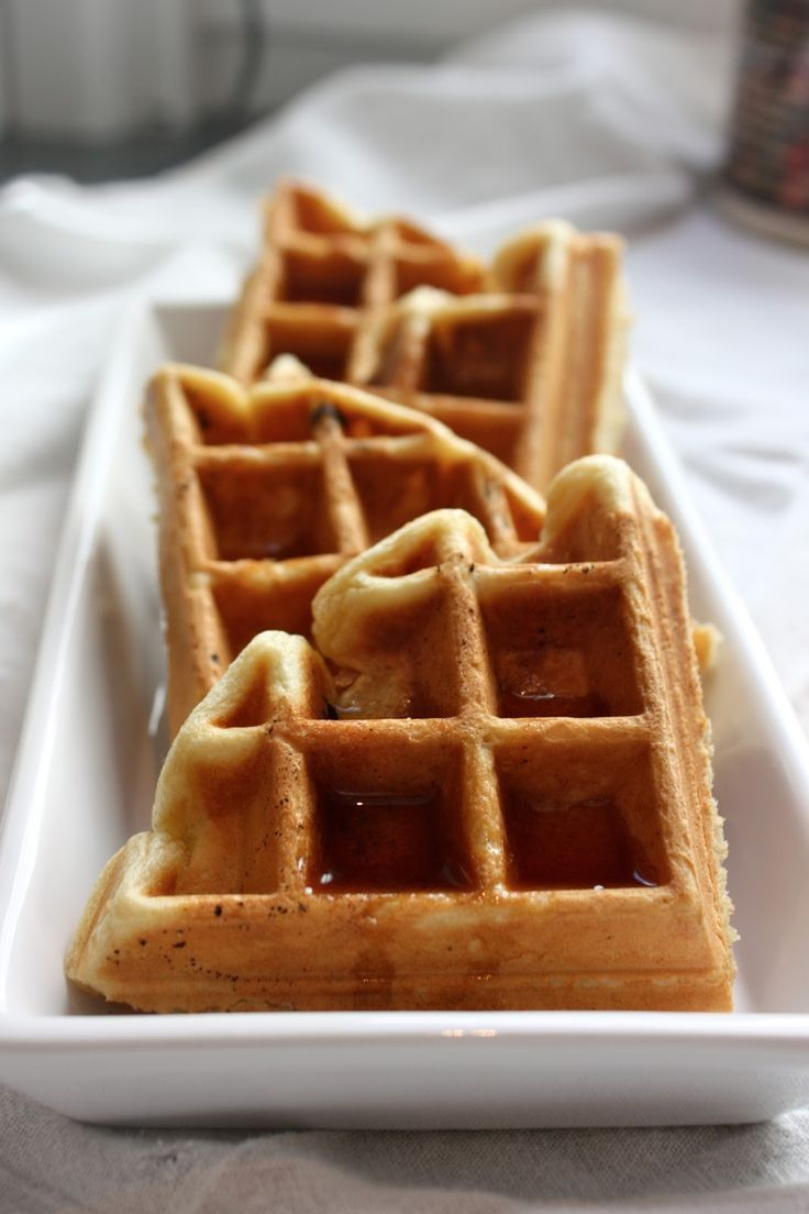 the very best Belgian waffle recipe - from Aretha Frankenstein!!  Sounds heavenly :)