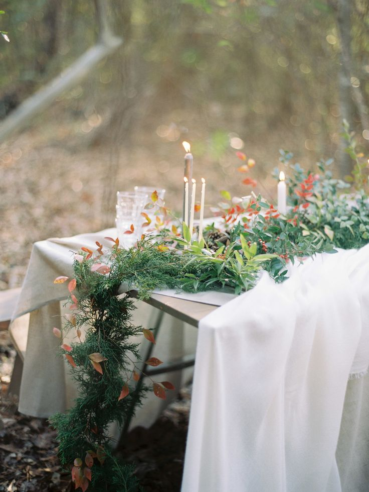 Photography : Lauren Kinsey Read More on SMP: http://www.stylemepretty.com/living/2015/12/20/intimate-cozy-holiday-outdoor-dinner-party-editorial/