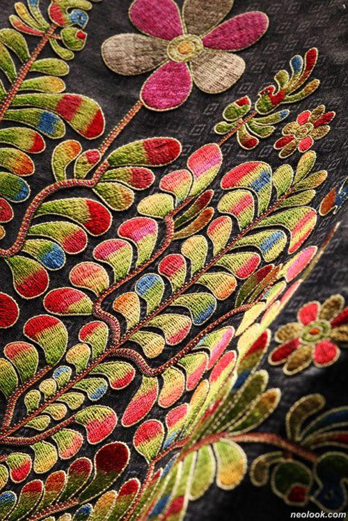 Kim Hyeon-Hui (김현희) Korean embroidery