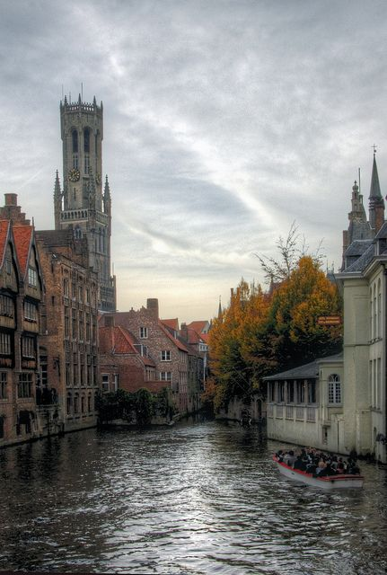 autumn in bruges, via Flickr by Mariusz Kluzniak