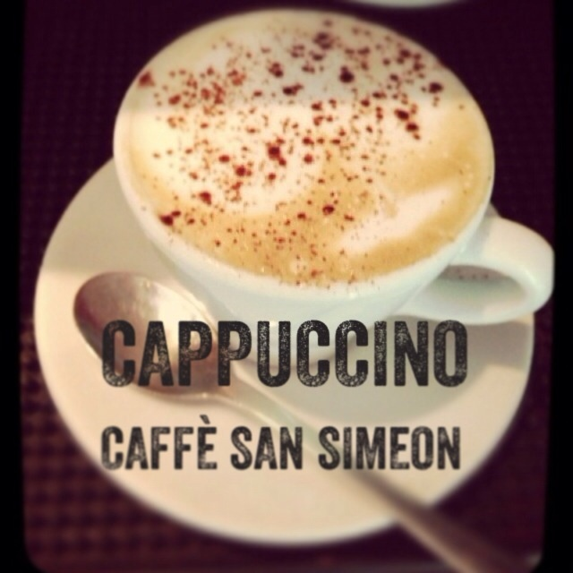 Le meilleur espresso et cappuccino dans la Petite Italie.  The best espresso and cappuccino in Little Italy.   39 Dante  Montreal Quebec
