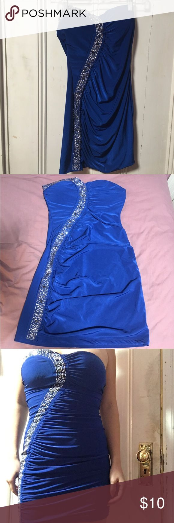 Blue strapless bodycon dress Blue bodycon dress. Light padding, would probably fit smaller busts better. Worn once Charlotte Russe Dresses Strapless