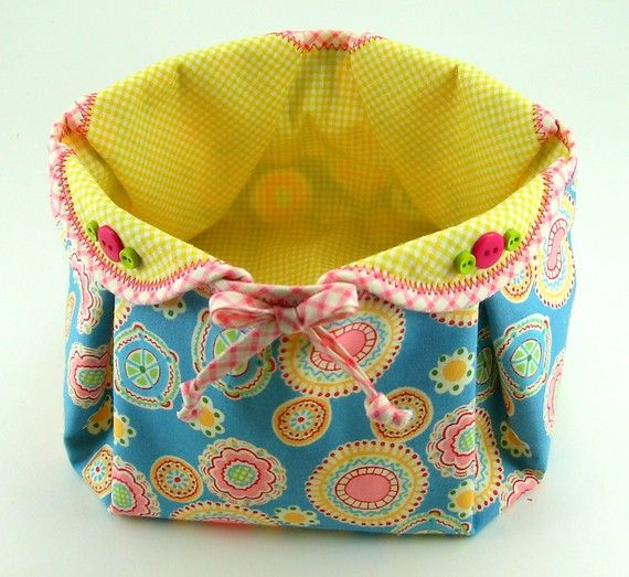 Very cute fabric basket! idée
