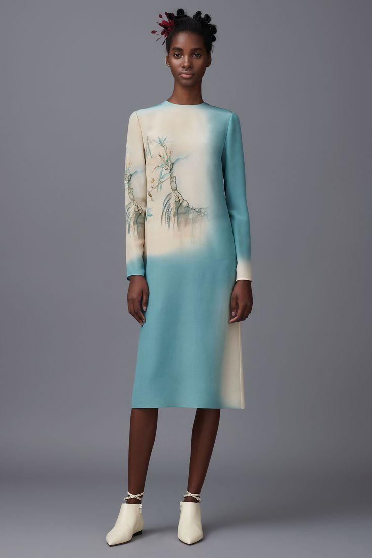 Sencillo vestido de Valentino en azul y blanco. Repineado por www.regalos-up.com