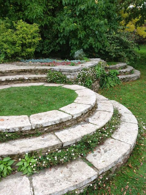 Edward Lutyens's steps & Erigeron karvinskianus at Great Dixter House and Gardens - Photo by Noemi Mercurelli of Mercurelli's Garden Design