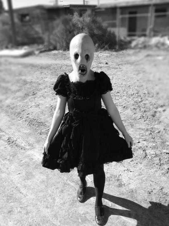 Strange Little Alien Girl - I'd seriously cry if I ever saw this