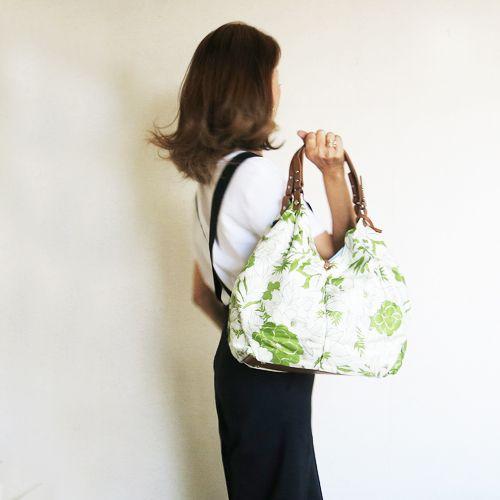 latitude momoからおすすめ!横浜シルクを使ったおしゃれバッグ。ラチチュードモモ レディースバッグ バッグショルダーバッグ ハンドバッグ エディターズバッグ A4サイズ 軽量バッグ シルク 仕事 ワーキング おしゃれ 大容量