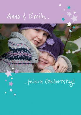 Schöne Fotokarte Zum 7. Geburtstag. Fröhliche Einladung Mit Großem Foto Und  Sternchen In Lila