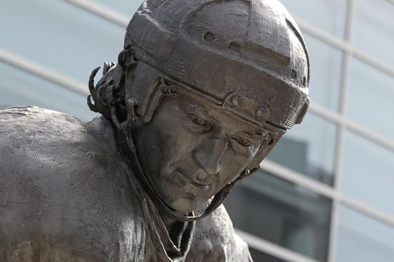'Le Magnifique' Mario Lemieux statue.  We're excited to see all the fan photos with the statue!Lemieux Statues, Pittsburgh Pride, Pittsburgh Sports, Le Magnifique, Pittsburgh Things, Pittsburgh Champion, Pittsburgh Penguins, Amor Pittsburgh, Penguins Hockey