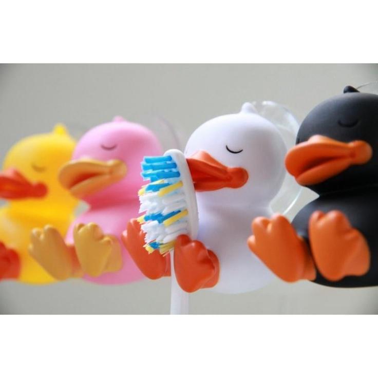 B.Duck: Hammasharja ankka