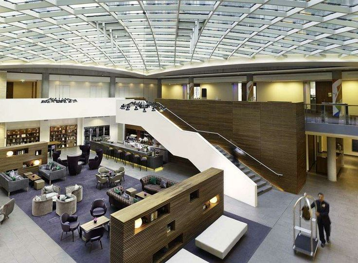 DoubleTree by Hilton Hotel London -Tower of London (England) - Hotel Reviews - TripAdvisor, Atrium roof and lobby.