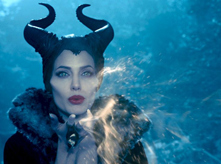 Angelina Jolie Stares Down Vivienne Jolie-Pitt's Princess Aurora in Maleficent?See New Movie Stills! | E! Online Mobile