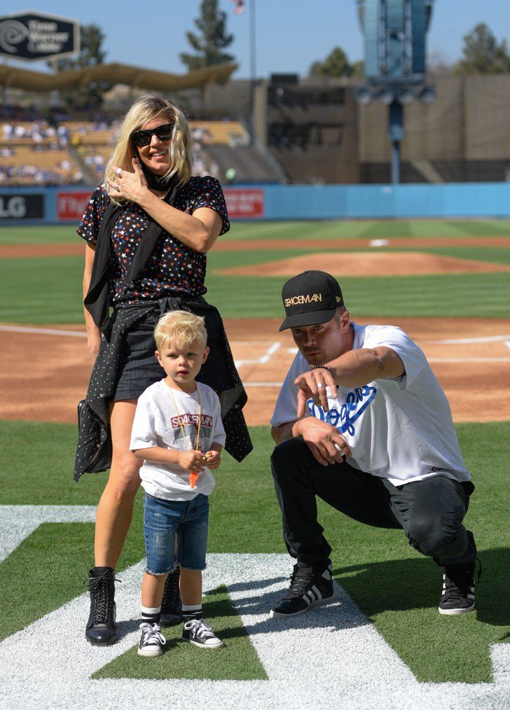 Pin for Later: Fergie and Josh Duhamel Knock It Out of the Park With a Cute Baseball Outing With Son Axl