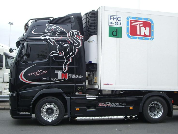 Volvo fh 16 noir torello transport