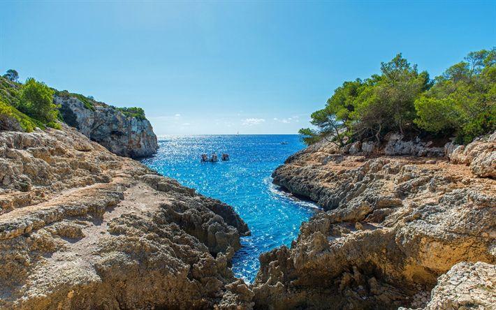 Download imagens Maiorca, Mar Mediterrâneo, férias, bay, praia, veleiros, mar, verão, Ilhas Baleares, Espanha