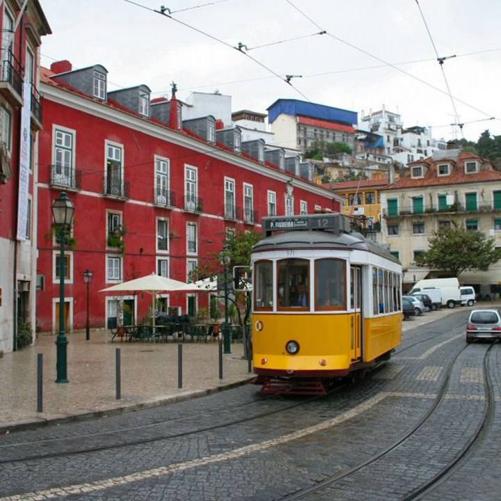 Alfama is the oldest and one of the most typical quarters of Lisbon. It is a place full of culture and soul. If you are planning to visit Lisbon, you necessarily have to go to Alfama!