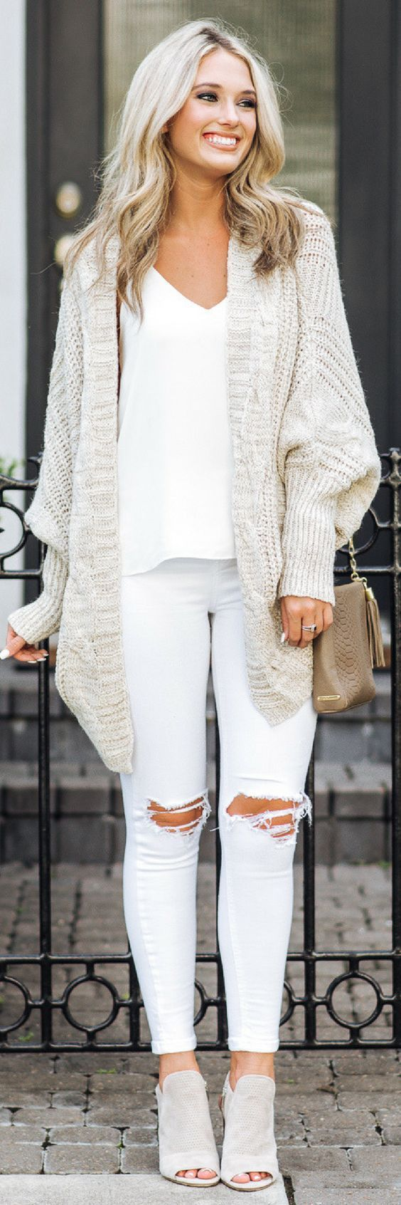 Like the sweater. No all white for me. Shoes are cuuuute.