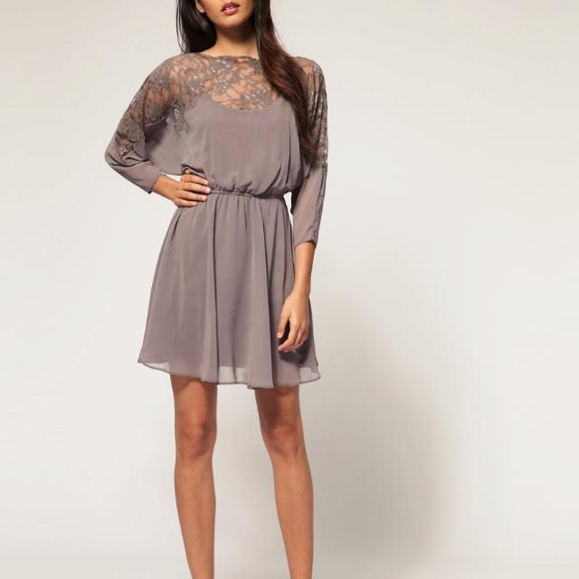 Fab lace detail dress! Want <3!