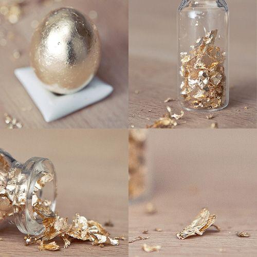 utiliser la feuille d'or des oeufs de paques pour décorer